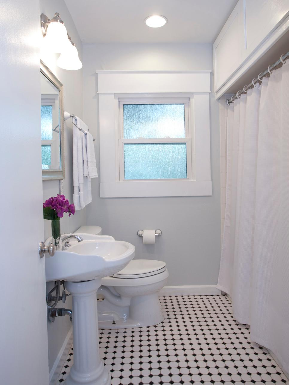 hgtv small bathroom makeovers 20 small bathroom before and afters hgtv 18713