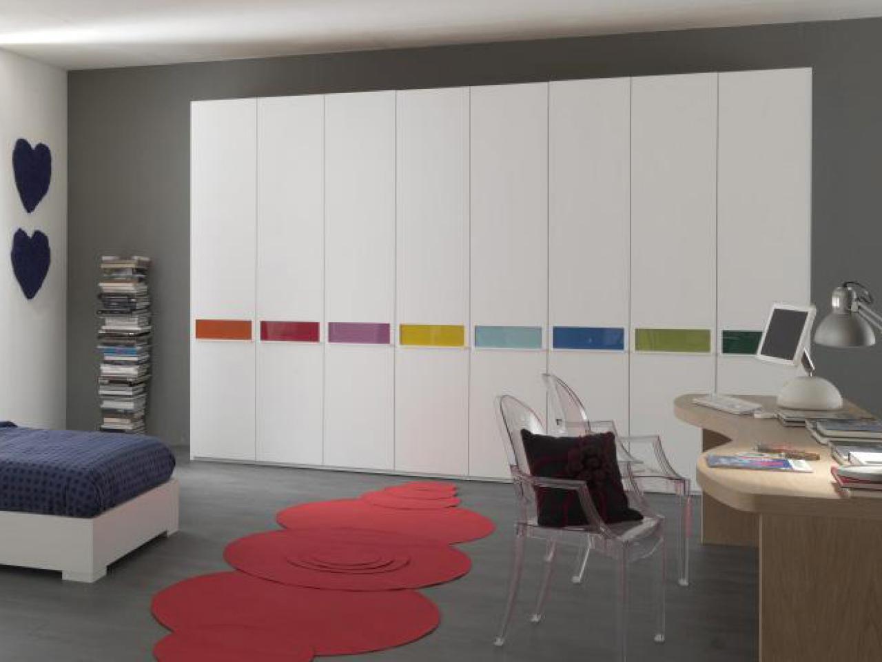 Front Foyer Closet Doors : Sliding closet doors: design ideas and options hgtv