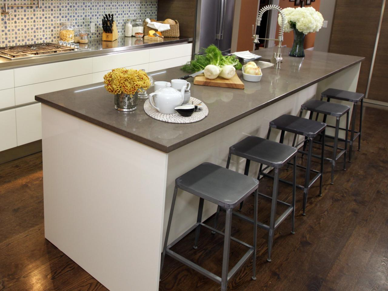 island kitchen stools kitchen island with stools kitchen designs choose kitchen layouts remodeling materials hgtv 7141