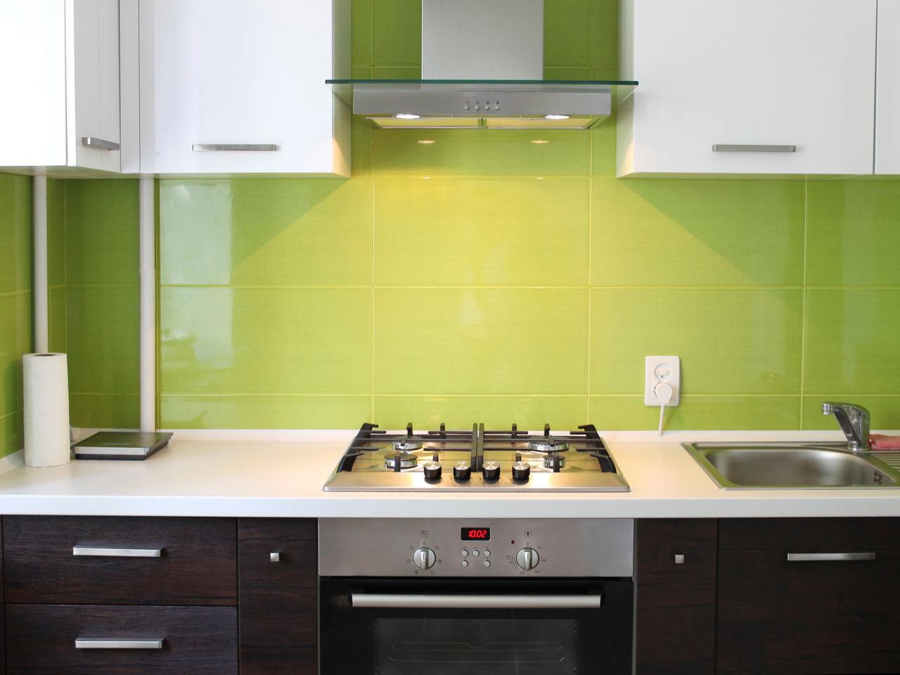 Kitchen color trends pictures ideas expert tips hgtv - Pintura para pintar azulejos de cocina ...