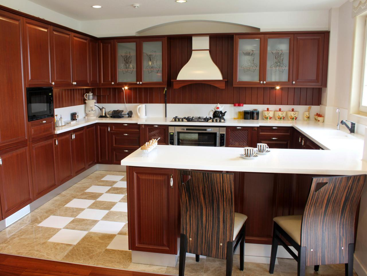 U shaped kitchens hgtv for Redesign kitchen layout