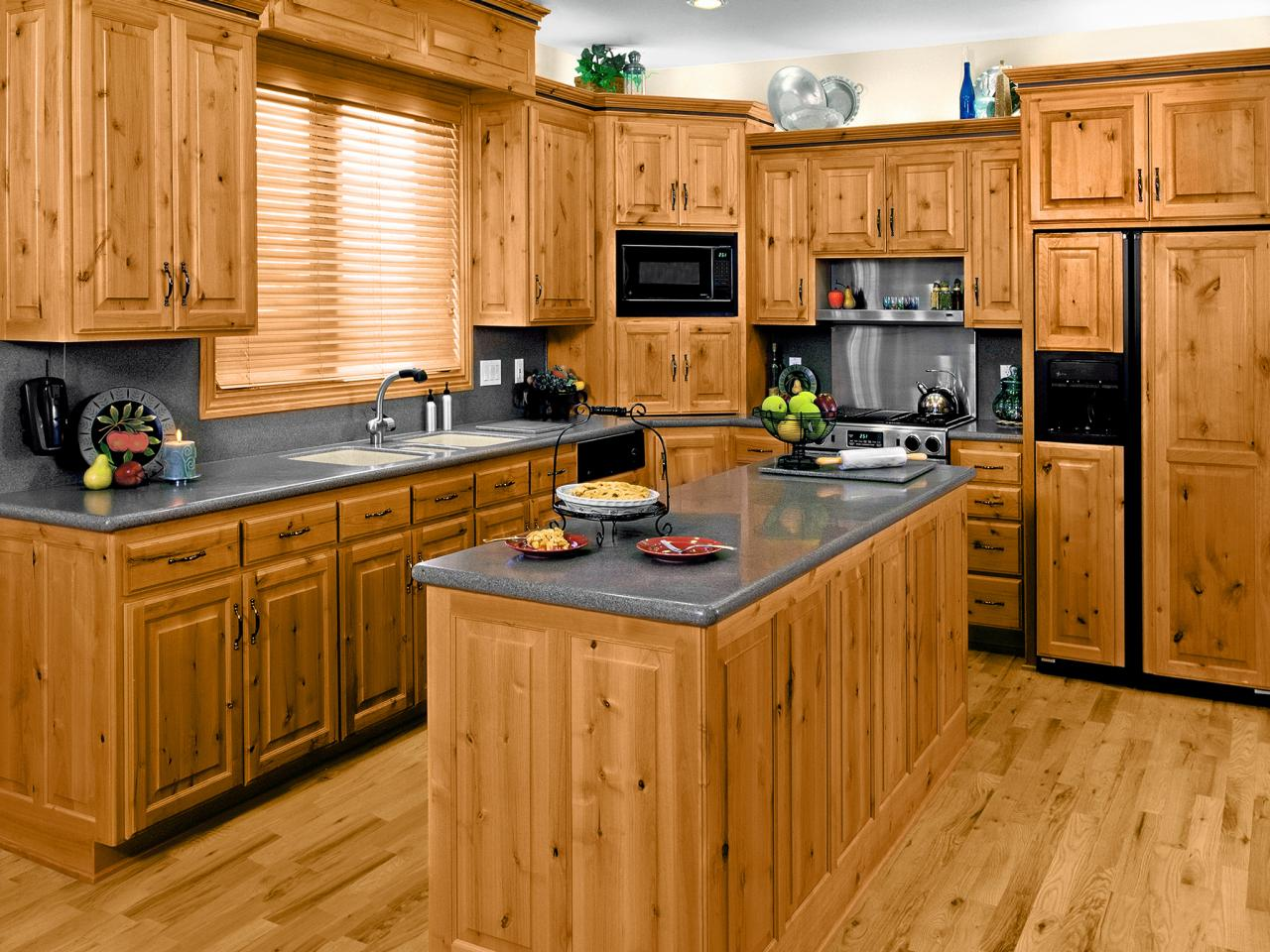 Charmant Pine Kitchen Cabinets