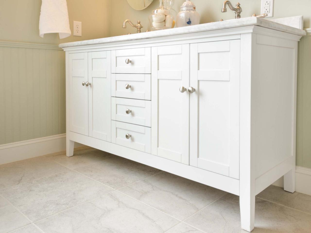 Guide to Selecting Bathroom Cabinets | DIY