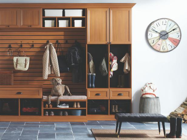 CI-California-Closets-traditional-mudroom-close-up_s4x3