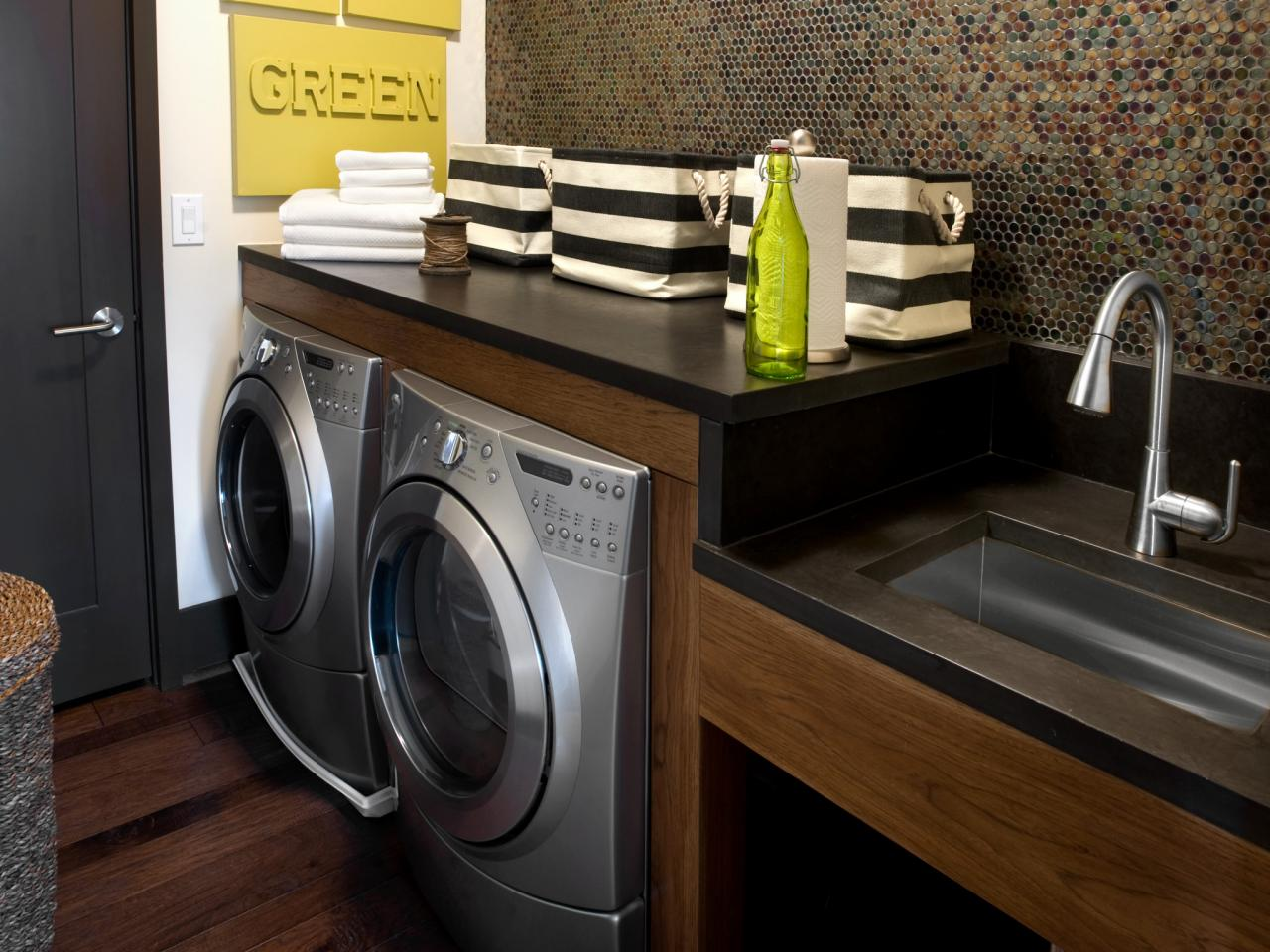 Modern laundry room designs pictures options tips - Laundry room design ideas ...