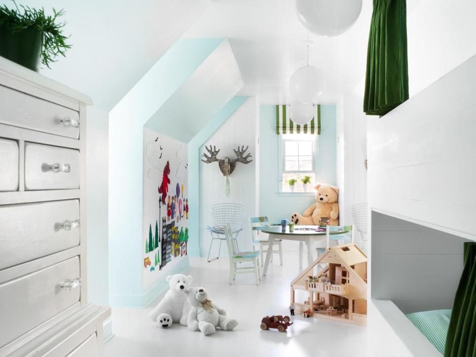45 small space kids 39 playroom design ideas hgtv for Teenage playroom design ideas