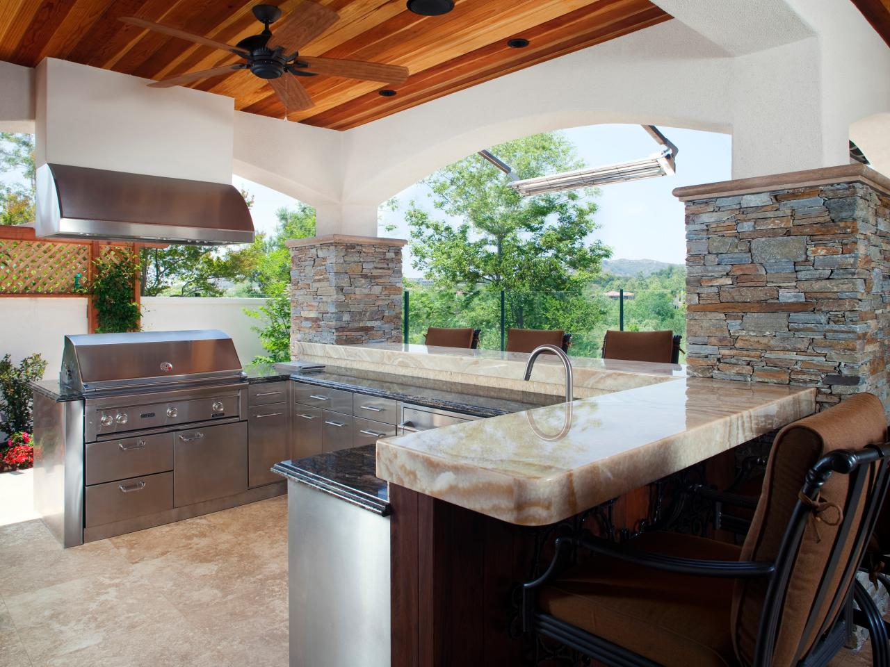 Luxury outdoor kitchens pictures tips expert ideas hgtv for Luxury outdoor kitchen