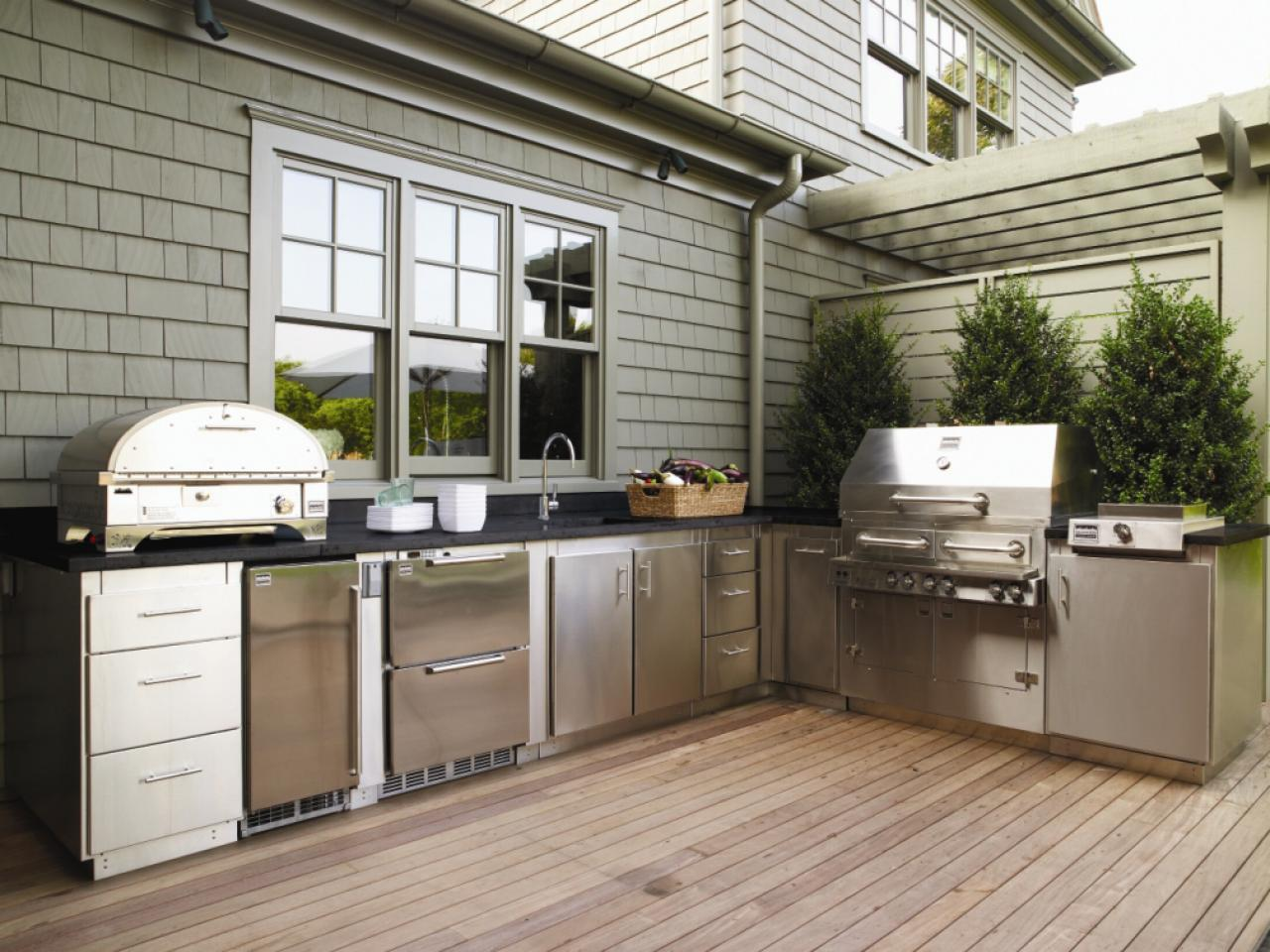 Ideas For Getting Your Grilling Space Ready For Outdoor Entertaining