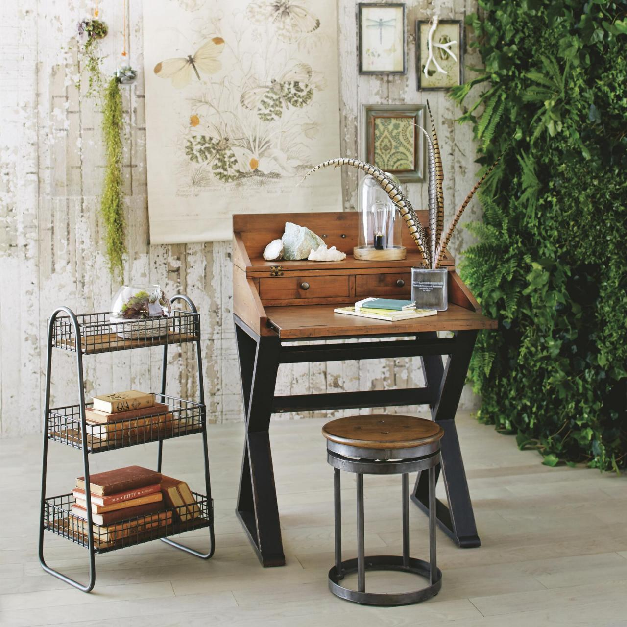 12 tiny desks for tiny home offices hgtv 39 s decorating for Petite table decorative