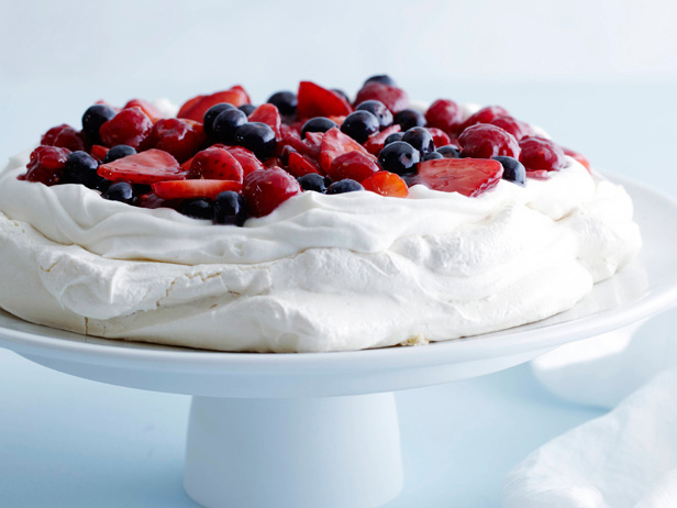 MIXED_BERRY_PAVLOVA