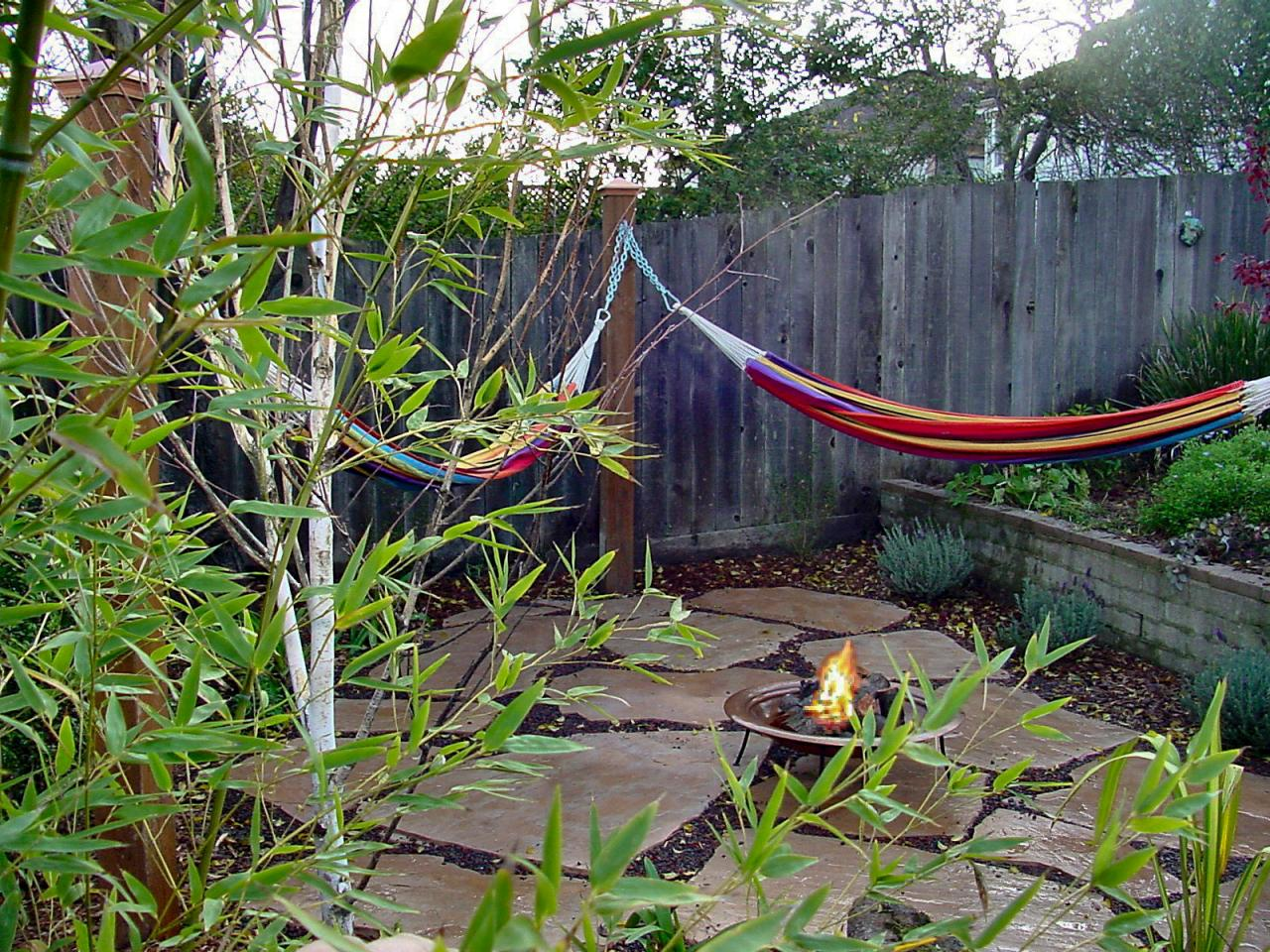 How To Make A DIY Hammock Out Of Mudcloth