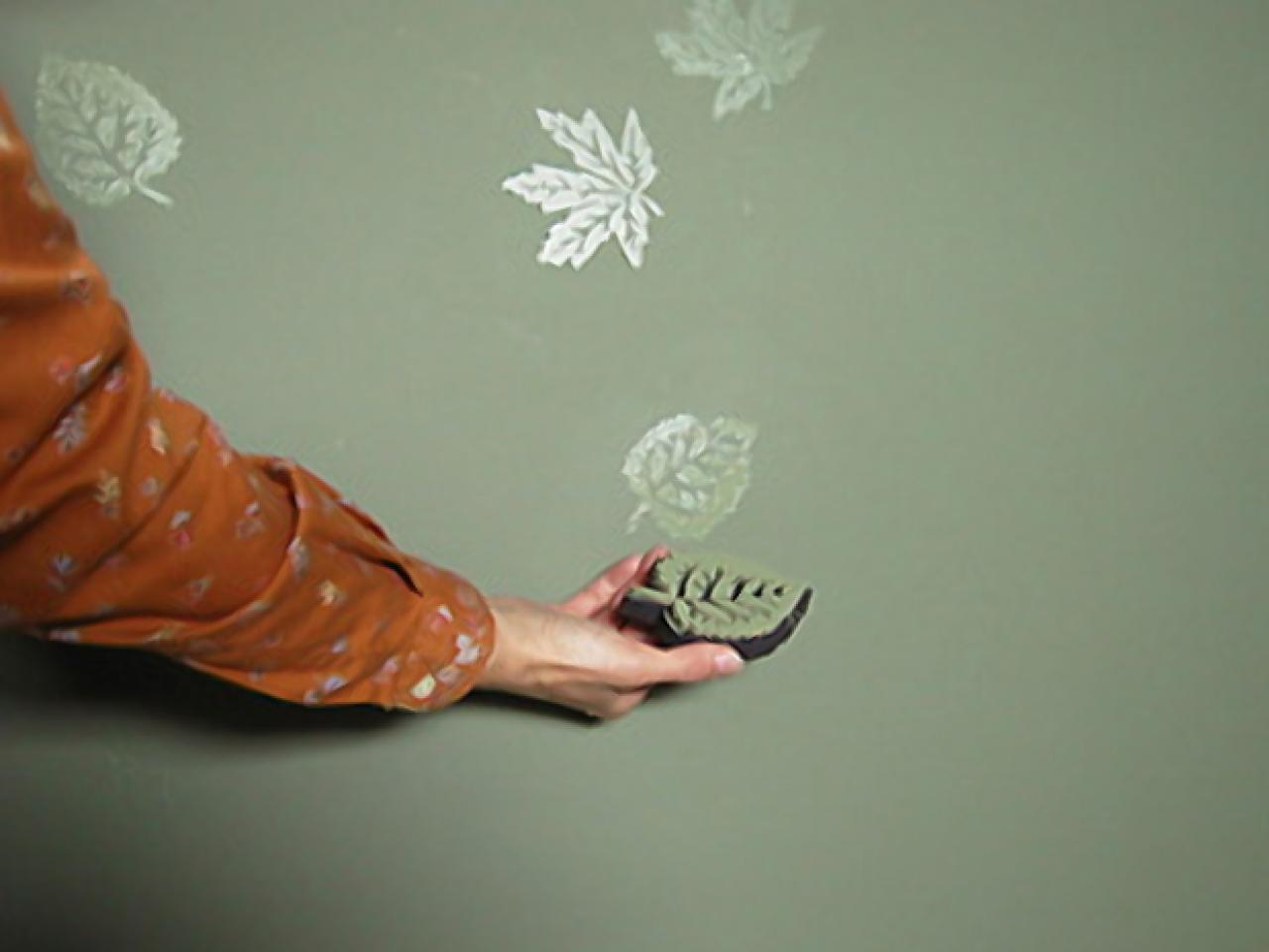 Walls that shine hgtv Wall painting designs for home