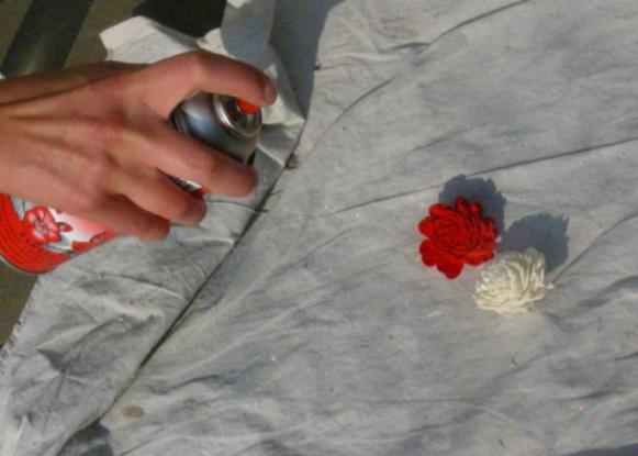 Pomander_Ball_-_Spray_Painting_Flowers