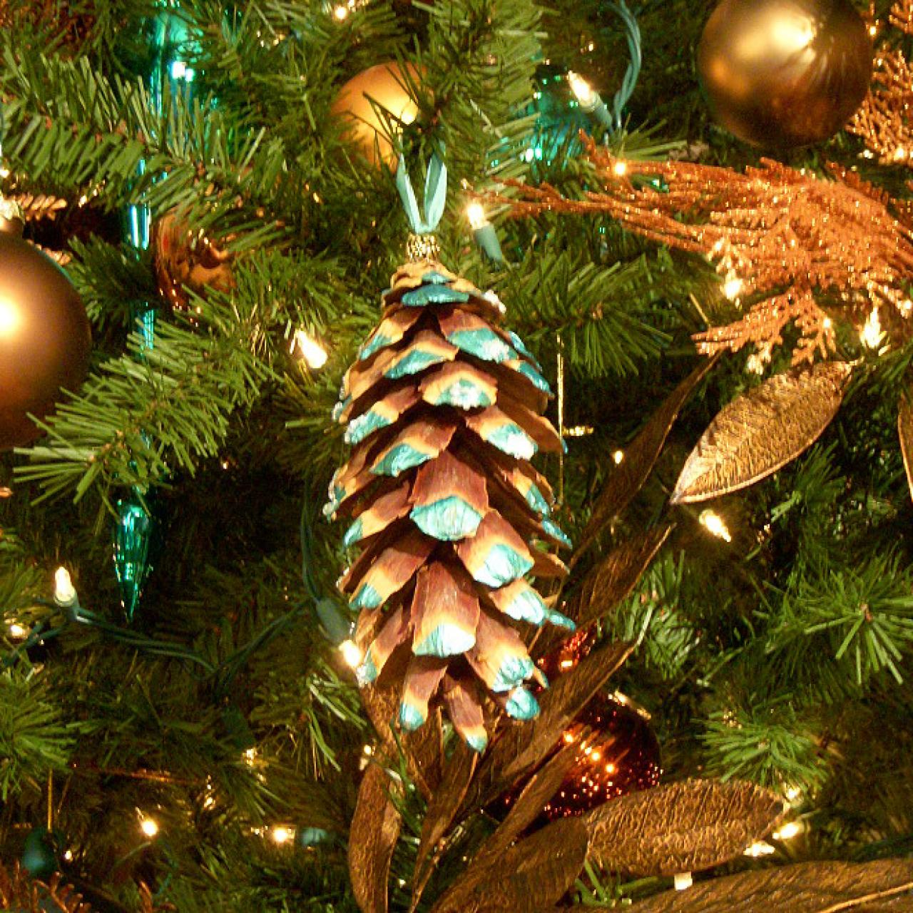 pine cone ornament for your christmas tree