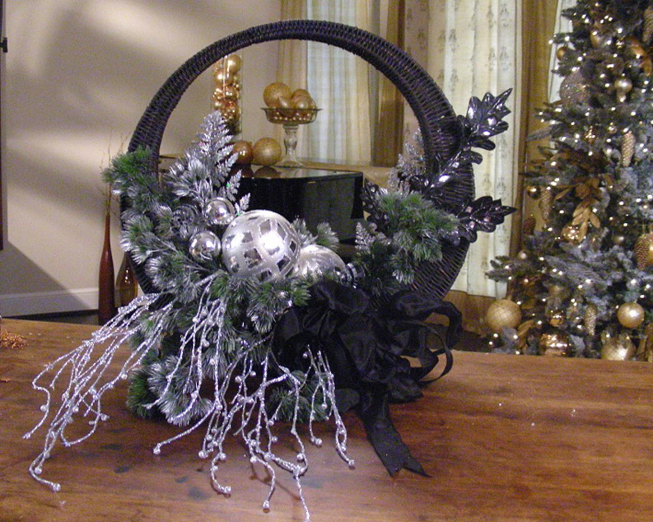 elegant front door holiday basket - Christmas Basket Decoration Ideas