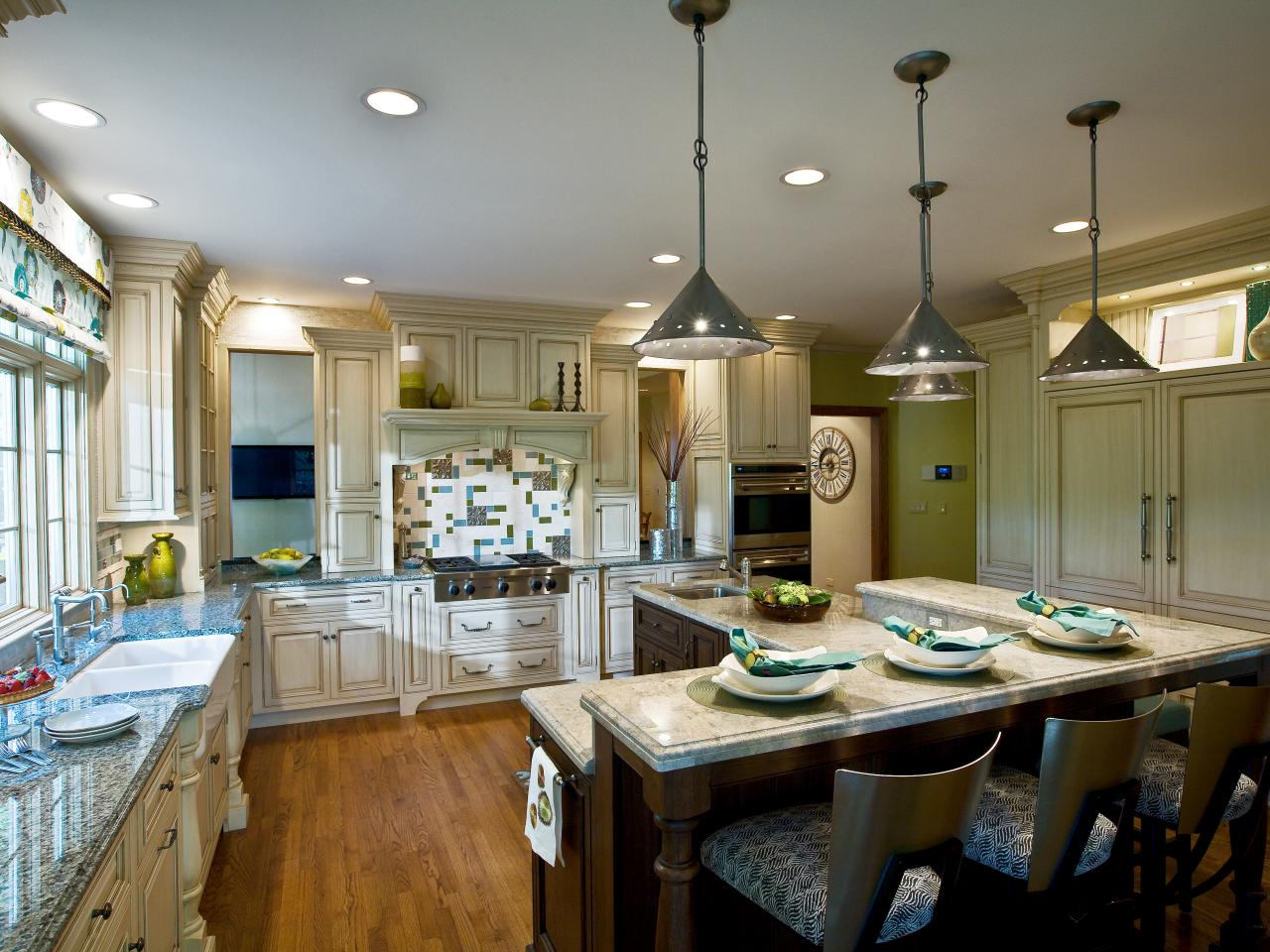 Under cabinet kitchen lighting pictures ideas from hgtv Best pendant lights for white kitchen