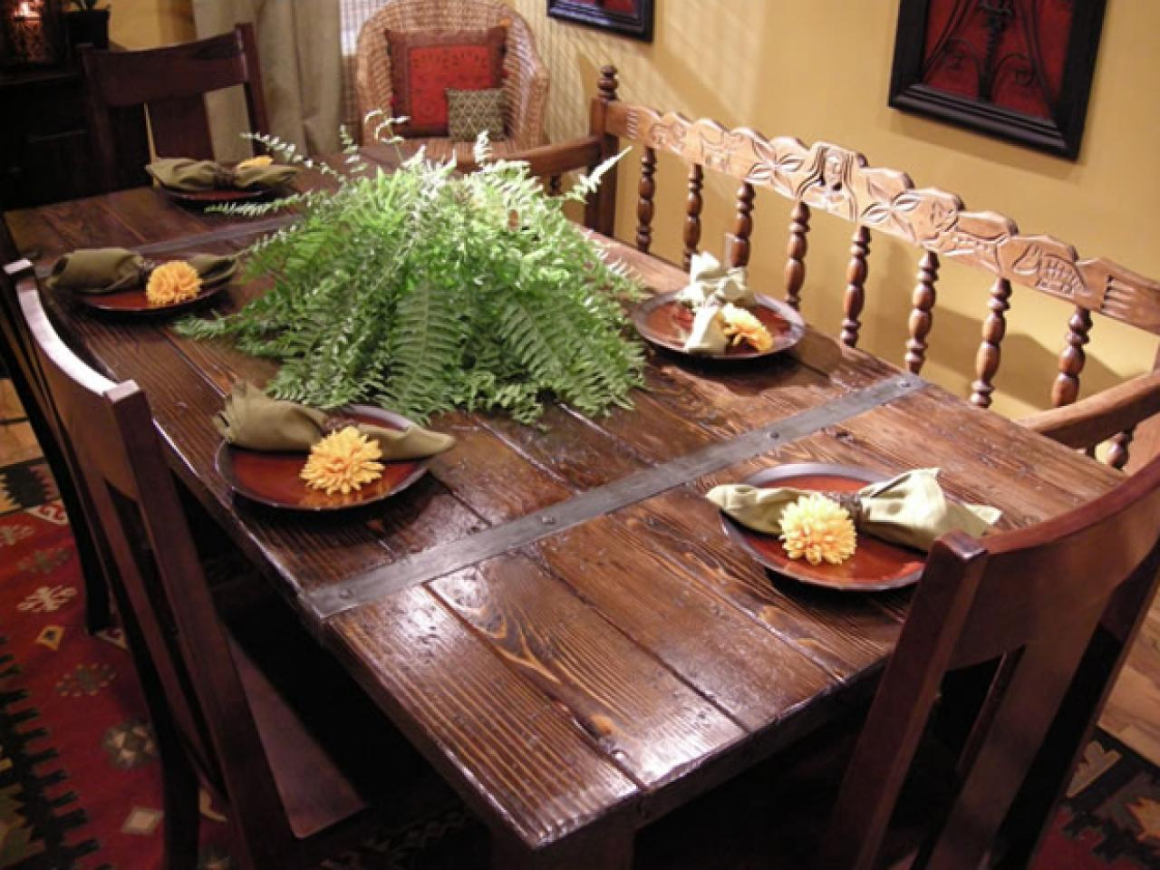 https://hgtvhome.sndimg.com/content/dam/images/hgtv/fullset/2008/1/31/0/HCCAN-205_table-after.jpg.rend.hgtvcom.1280.960.suffix/1400941699169.jpeg