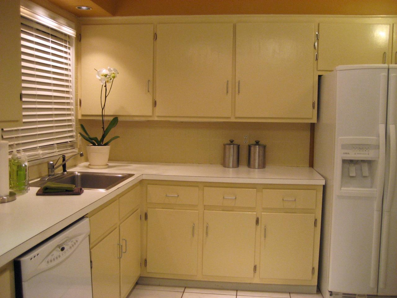 How to paint kitchen cabinets hgtv Revamp old kitchen cabinets