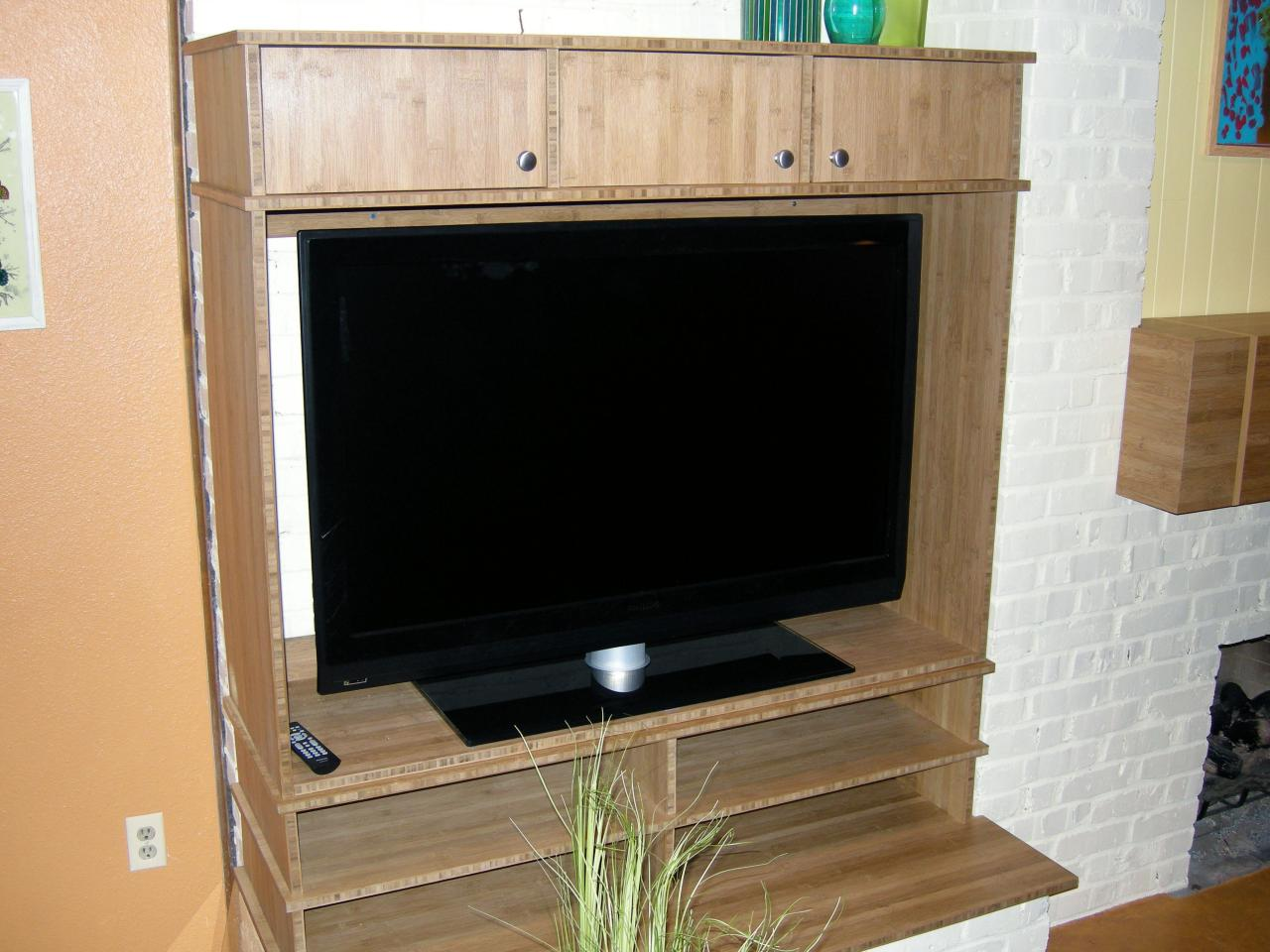 Build an entertainment center in one day hgtv build an entertainment center in one day solutioingenieria Choice Image