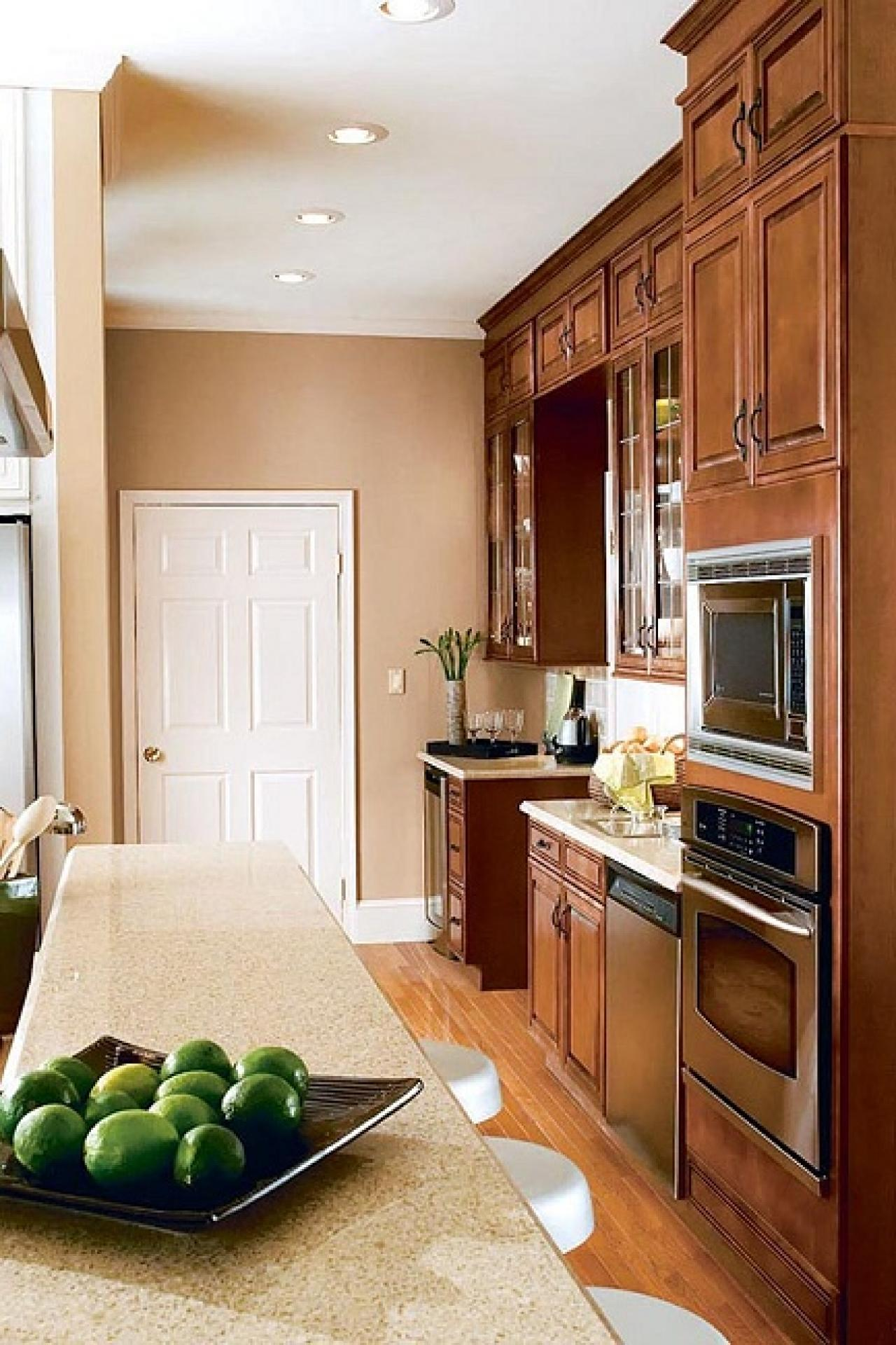 Colors That Bring Out The Best In Your Kitchen HGTV - Best color for kitchen walls with wood cabinets
