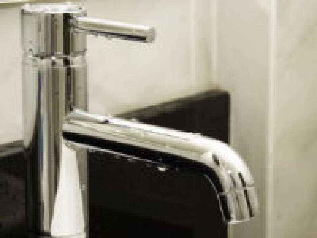 Plumbing Your Options in Bathroom Fixtures | HGTV