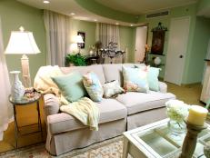 The designers' challenge is to transform two undecorated suites in the Gaylord Opryland Resort with help from country superstar Sara Evans, who favors a romantic, easy, light-filled and eclectic aesthetic.