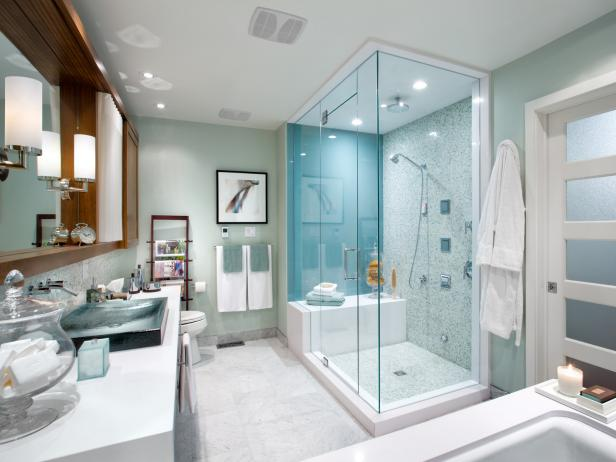 Master Bathroom With Luxurious Glass Shower