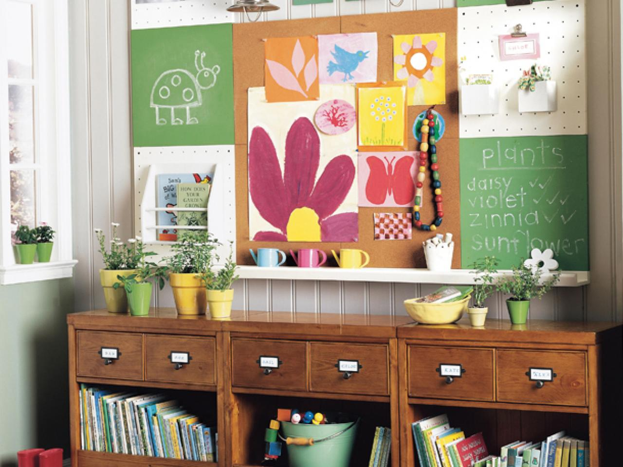 10 decorating ideas for kids 39 rooms hgtv for Pottery barn kids room ideas