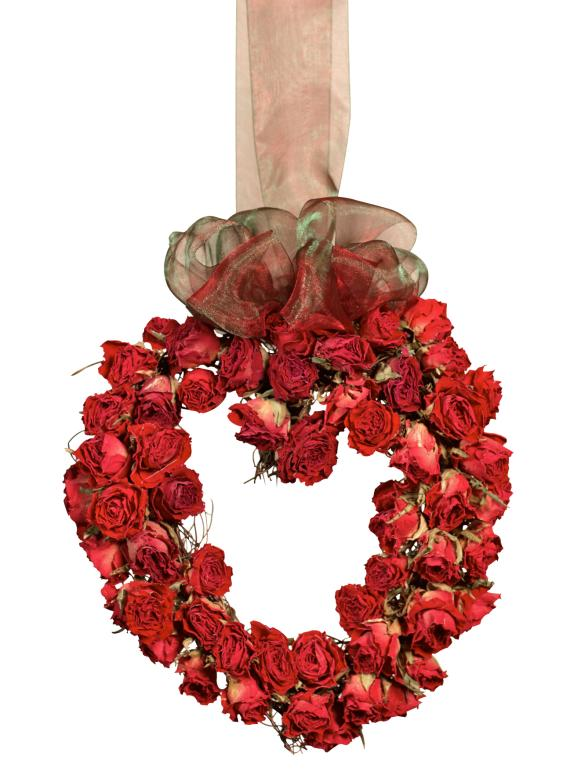 0827_RED-HEART-WREATH_s3x4