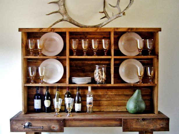 Attirant Rustic Dining Room Hutch