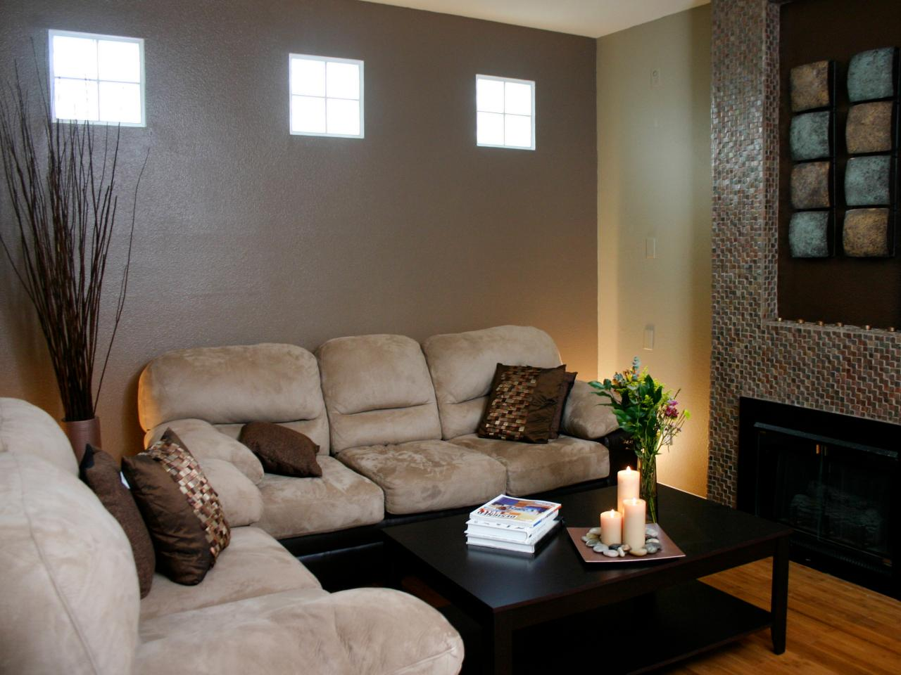 Photo page hgtv - Sofa gris como pintar las paredes ...