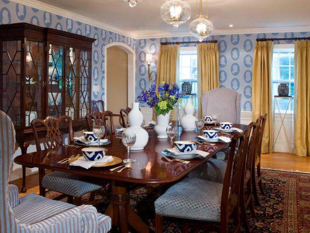 Traditional Blue and Gold Dining Area