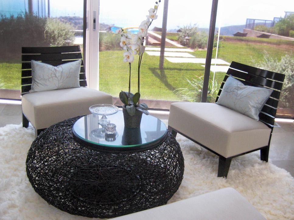 Addison Wicker Table and Outdoor View