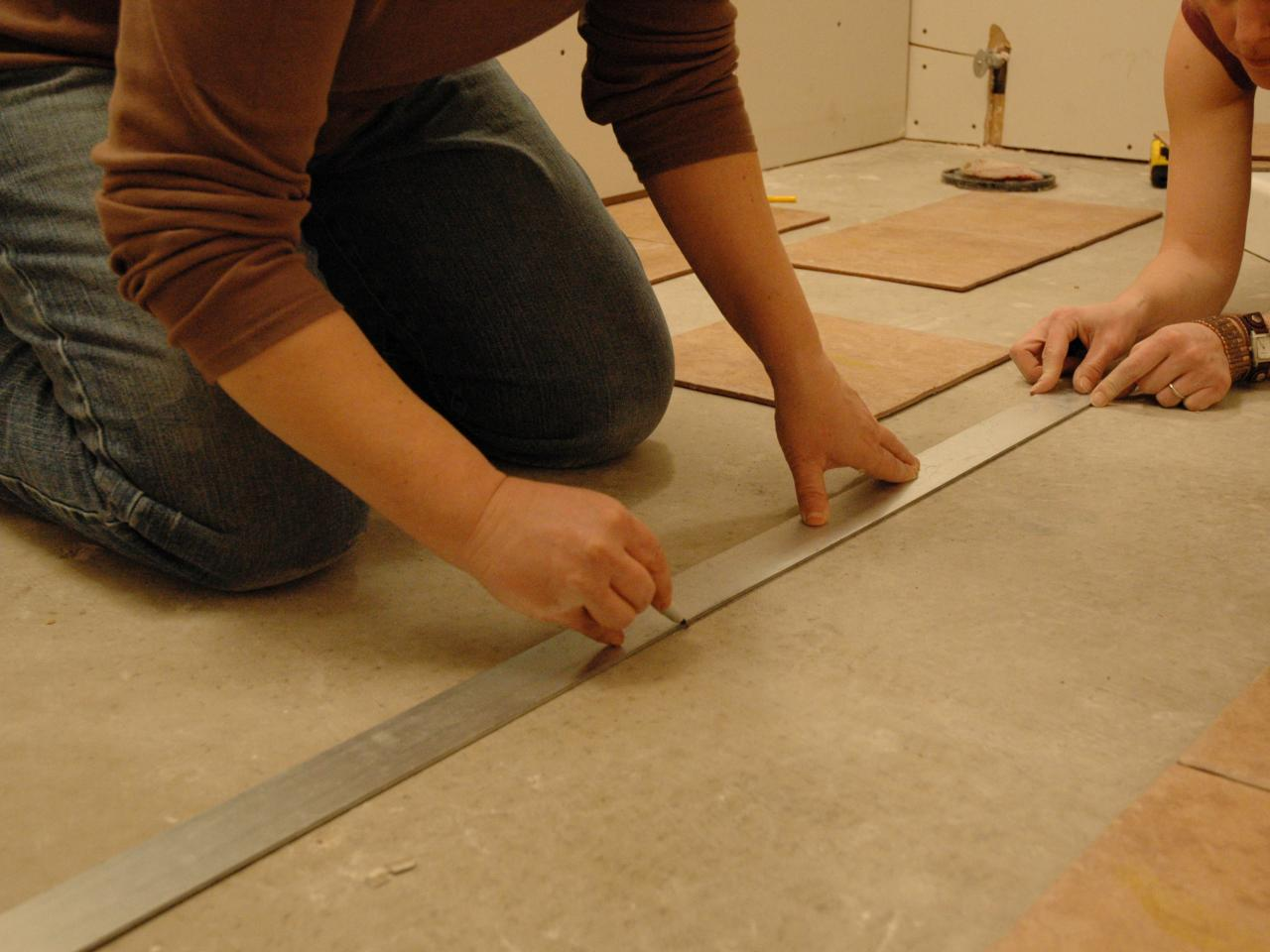 How to Install Tile on a Bathroom Floor | HGTV