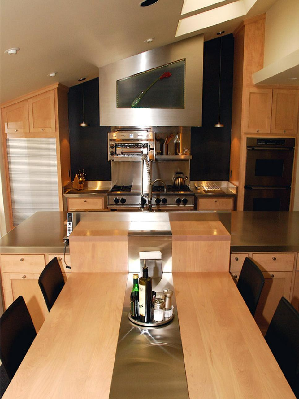 Small Kitchen Design Ideas and Solutions | HGTV on Small Kitchen Remodel Ideas  id=47601