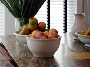 GH2010-110_04-dining-room-flowers-fruit-5444_s3x4