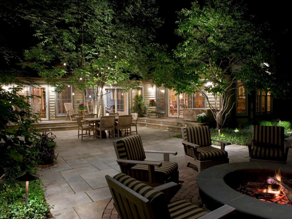 4 Reasons To Use Deck Lighting In Your Outdoor Space