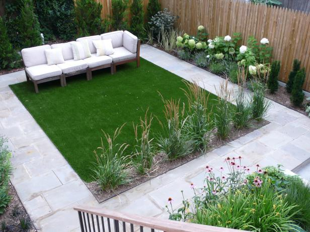 Modern Outdoor Sitting Area and Turf Lawn
