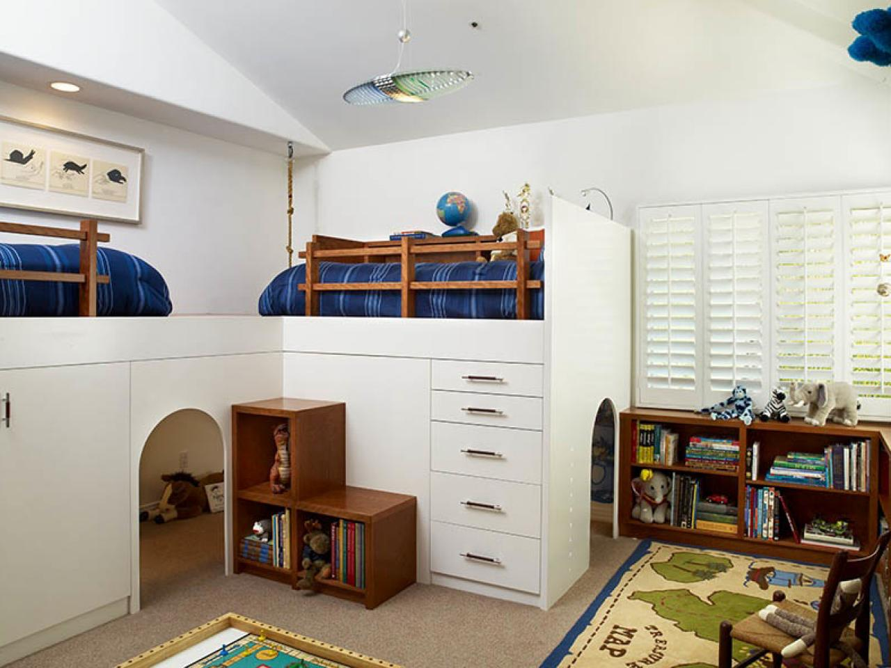 Get your kids organized at all ages hgtv for Bedroom ideas 13 year old boy