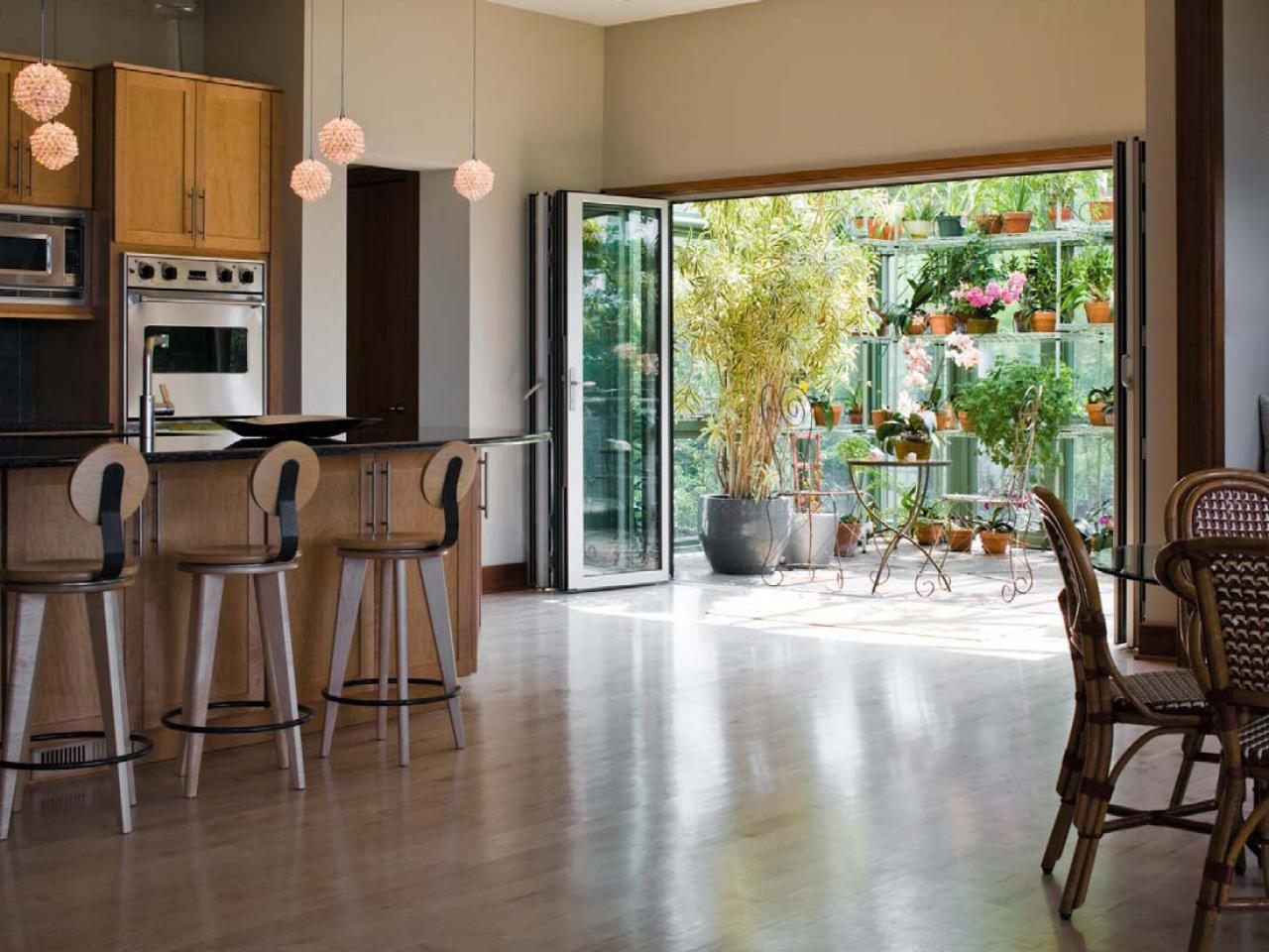 Charmant Modern Open Plan Kitchen With Greenhouse