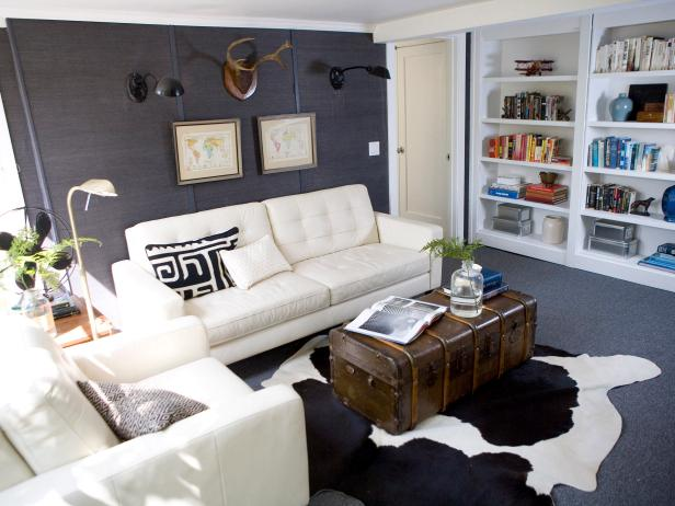 Leather Furniture And Gray Accent Wall In Contemporary Living Room