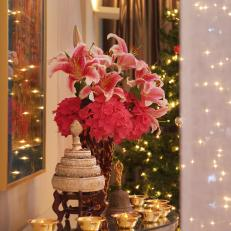 Christmas Centerpiece With Red Hydrangeas and Stargazer Lilies