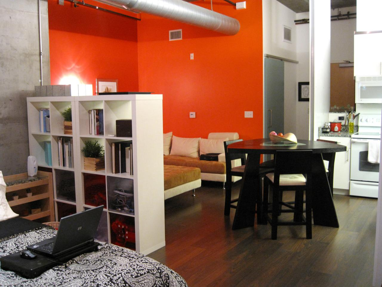 12 clever ideas for laying out a studio apartment hgtv 39 s for Decorating your apartment