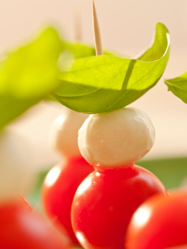 Fresh Mozzarella and Tomato Party Appetizers
