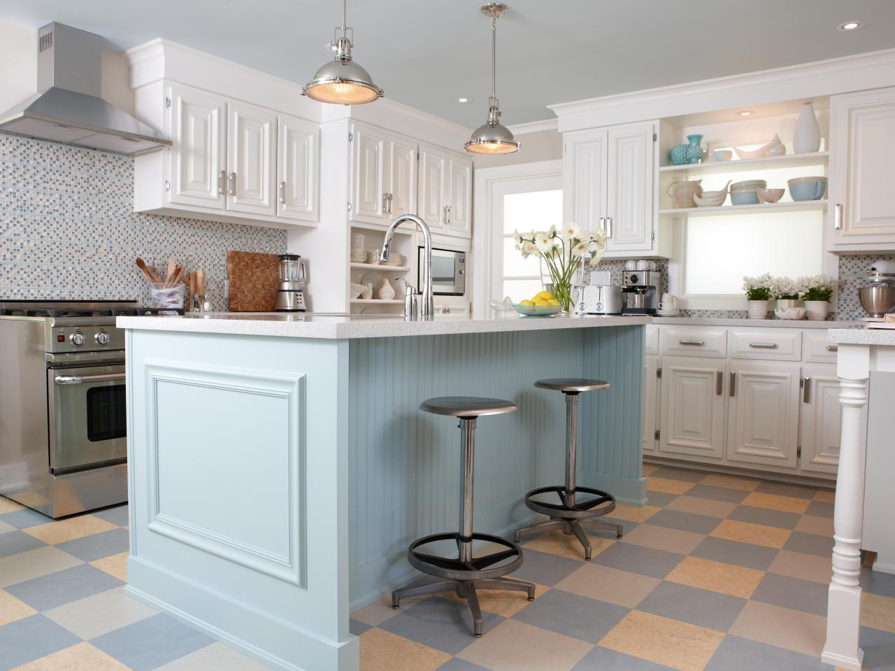 photo page hgtv With kitchen colors with white cabinets with serviettes en papiers