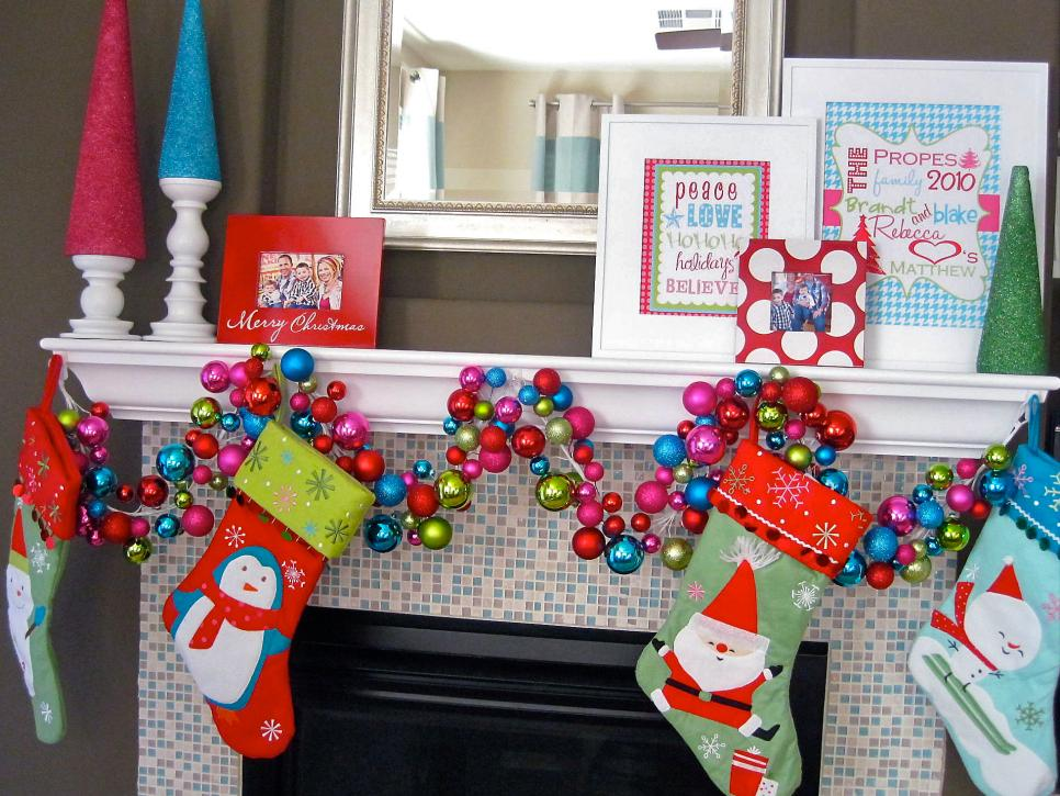 Elegant holiday decorating ideas hgtv for Xmas decorations ideas images