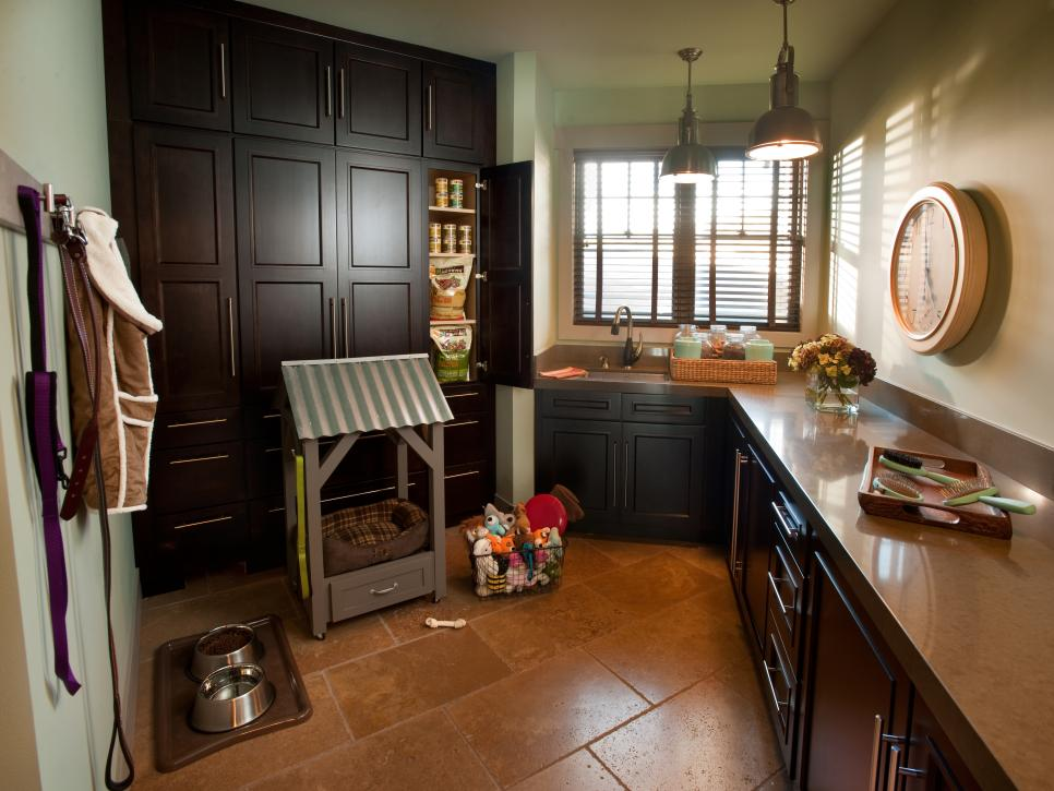 7 Stylish Laundry Room Decor Ideas Hgtv S Decorating