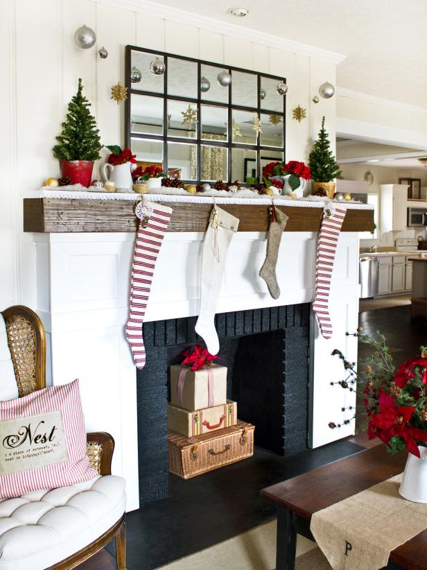 28 christmas mantel decorating ideas hgtv - Mantelpiece Christmas Decorations