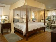 HSTAR6_Garcia-Romantic-Bedroom_s4x3