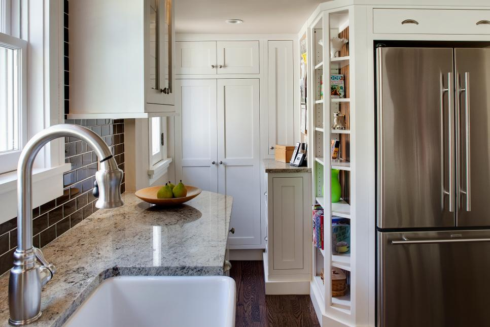 8 small kitchen design ideas to try hgtv for Small kitchen design photos